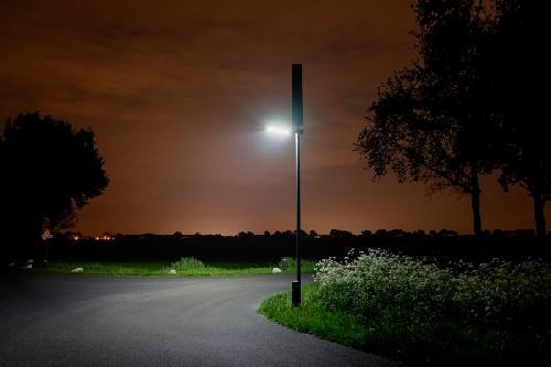 zonnemast nacht foto van mijn energiefabriek